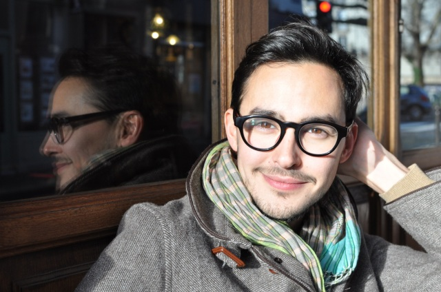 Manuel porte Timbuktu de l'Artisan Parfumeur
