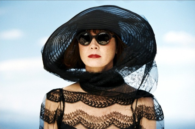 Sabine Azéma en Mathilde Stangerson dans Le Parfum de la Dame en Noir, film de Denis Podalydès (2005)